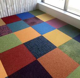Looking for Interface carpet tiles? AAA Heuga Shuffle It in the color Shades of colors is an excellent choice. View this and other carpet tiles in our webshop.